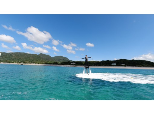 A classic marine Activity! Repeat board one after another! If you want to experience Sunrise Marine Okinawa!の紹介画像