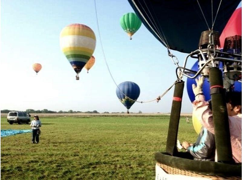 【栃木・渡良瀬エリア】非日常の『浮遊感』を体験!熱気球フリーフライトコースの紹介画像