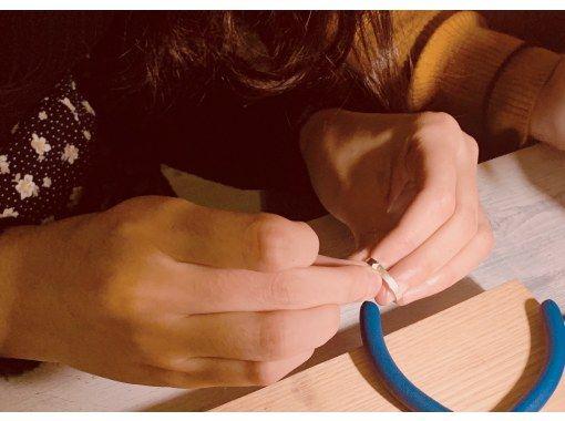 【大阪・心斎橋駅徒歩3分】自分達の手で作るシルバーリング作り体験!ペアリングにもオススメ☆の紹介画像