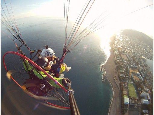 【三保の松原・富士山】冬春プラン!海を飛べるパラグライダー二人乗り体験