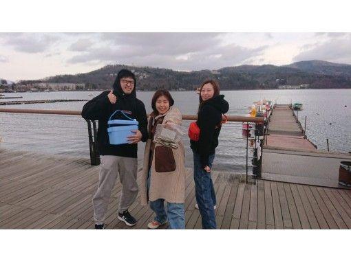 【山梨・山中湖】ピカピカで綺麗なドーム船でワカサギ釣りをしよう!