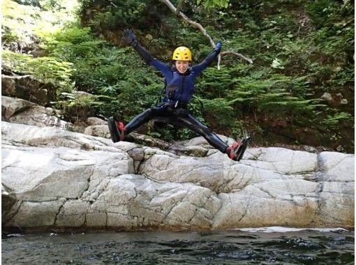 【滋賀・シャワークライミング】日本の滝百選!八ッ淵の滝(1日コース) 9:00集合≪SC-1≫の紹介画像