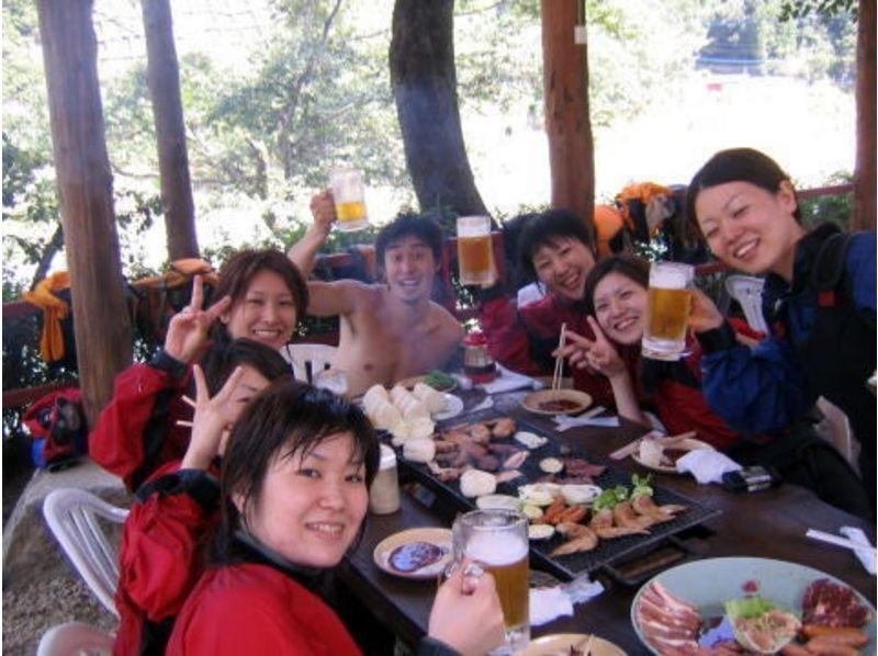 【熊本県/球磨川】バーベキュー食べ放題に温泉付きのラフティングツアー!(8時間コース)の紹介画像