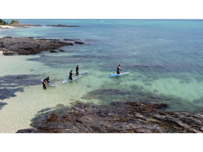 【沖縄・クリアサップ】まるで海の上に立っている感覚!透明のSUP(スタンドアップパドルボード)体験ツアー新入荷しました!