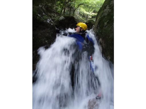 [滋賀-淋浴間攀岩】日本的100瀑布! Yatsu no Taki Falls(半天課程)9:00會議«SC-4»の紹介画像