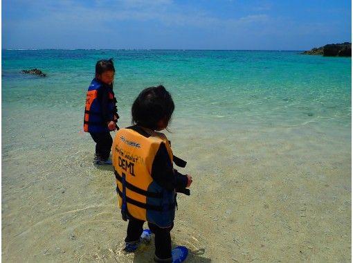 【沖縄・宮古島】2歳からOK!宮古島のビーチを大満喫!貸切磯遊びツアー!写真全てプレゼント!