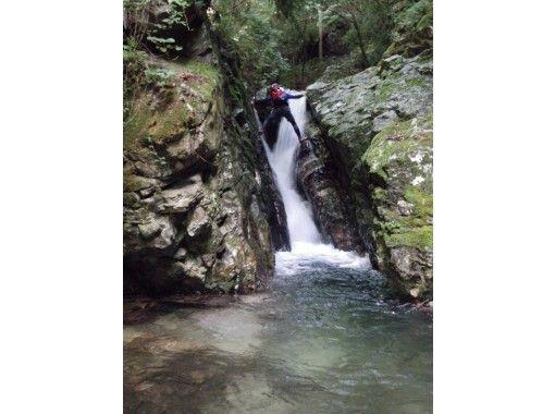 【滋賀・シャワークライミング】日本の滝百選!八ッ淵の滝(半日Bコース) 11:00集合≪SC-2≫