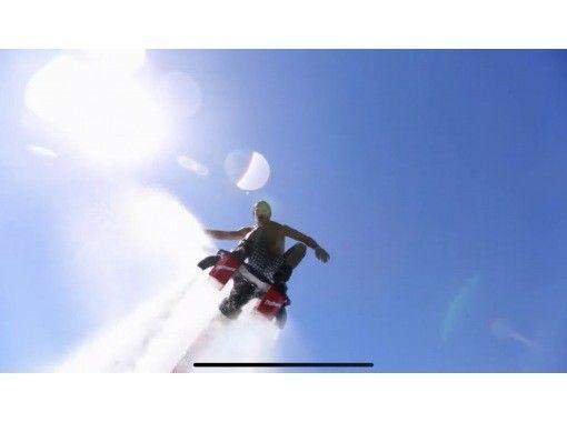 【和歌山・南紀白浜】★秋のスポーツキャンペーン実施中★他では体験できないアクティビティ!フライボードの紹介画像