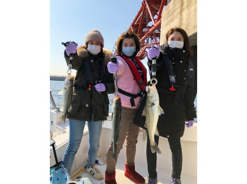 """[東京站Chika /築地站.Kachidoki站]""""完全包船""""僅限家人和朋友。讓我們輕鬆享受船釣吧!の紹介画像"""
