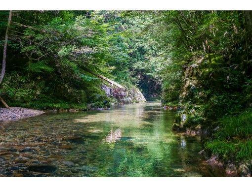 【広島・湯来温泉】シャワークライミング、半日コース!広島市街地から車で1時間の秘境で行う大冒険。