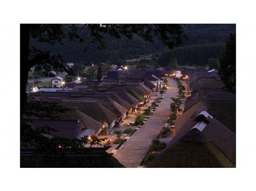 【福島県・会津若松】バスと鉄道で行く、鶴ヶ城から大内宿体験ツアー