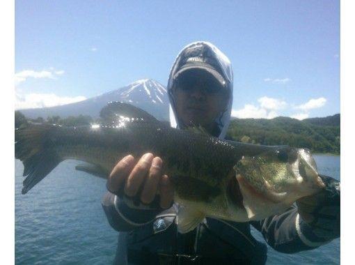 Kawaguchiko Bass Fishing Class (Bass Boat Course) for 2 peopleの紹介画像
