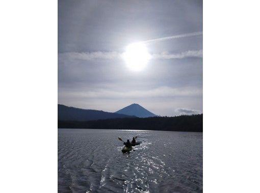 【山梨・富士五湖・西湖】人気!早朝サンライズ・サンセット・ナイト・カヤック体験90分プラン