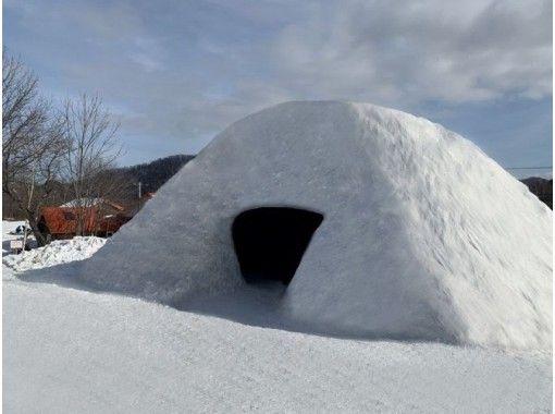 【北海道・札幌】スノーモビルツアー60分+かまくらでBBQ60分食べ放題! 手ぶらで札幌の冬を体験!