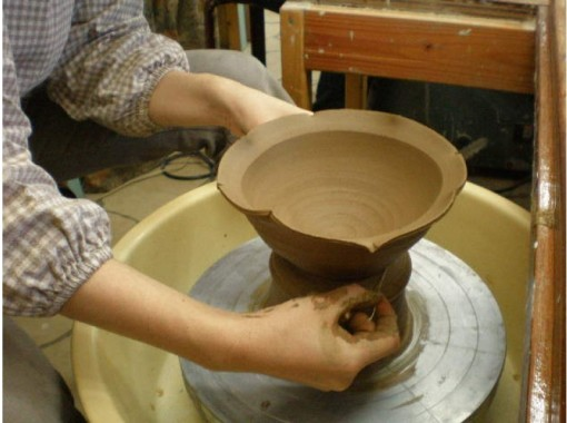 """[Aichi / Nagoya Station 5 minutes] """"Experience one electric potter's wheel"""" for beginners + plenty of painting and coloring! 90 minutesの紹介画像"""