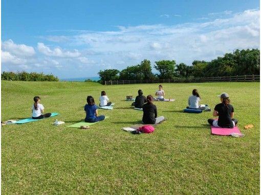 [冲绳/久米岛]我们提供在线瑜伽,将心灵,身体和灵魂与美丽的大自然联系在一起。也欢迎那些僵硬和初学者的人!の紹介画像