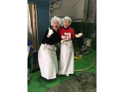 【山口・岩国】世界一の杉玉がお迎え!日本酒好きにお薦め!ここだけの酒蔵体験『金冠黒松』の紹介画像