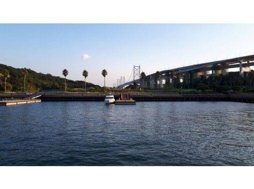 【香川県・瀬戸大橋】街の喧騒を離れ・手ぶらで・サンセットBBQクルージングの紹介画像