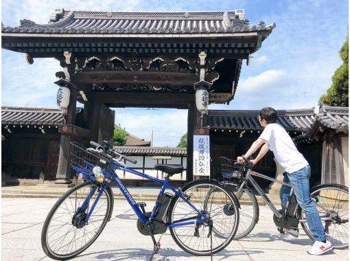 【兵庫・姫路】姫路駅から徒歩3分 「えきそば」券付き! 電動クロスバイクで爽快!姫路の城下町サイクリング(レンタサイクル)