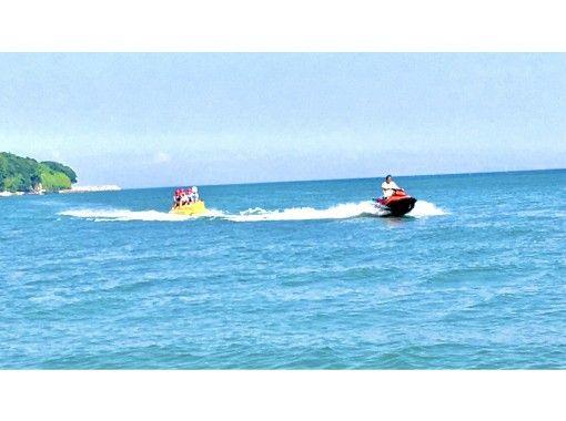 【大分・住吉浜リゾートパーク】海といえば「バナナボート」!お得な事前予約。900円/人