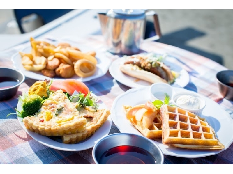 【Shonan / Zushi】 Let's go for a sea kayaking and go eat seafood. Introduction image with lunch