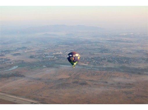 【栃木県・渡良瀬遊水地】上空1000mから関東平野を一望!熱気球観光フライト。ご夫婦、ご家族の記念に!