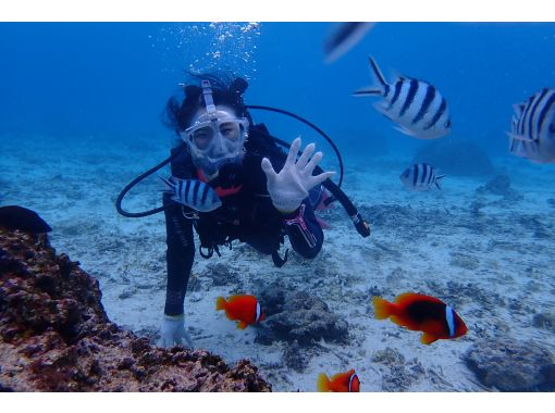 【沖縄・恩納村青の洞窟ボート】コロナ対策優良店!『フルフェイスマスク!青の洞窟体験ダイビング』写真データサービス付