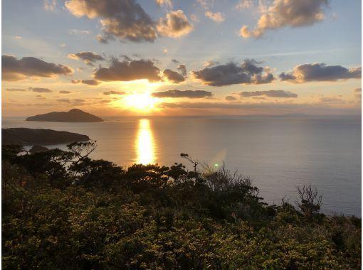 【沖縄・座間味島】ただただぼーっと夕日を見るLIVE配信ツアー