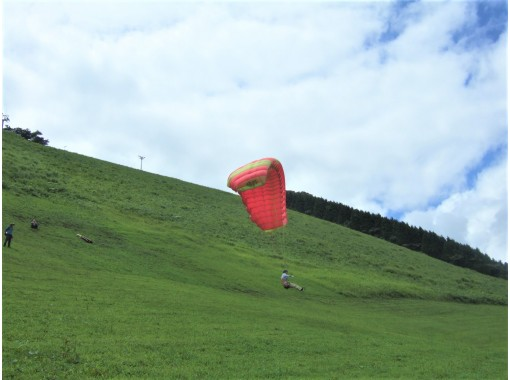 [Hyogo/ Kannabe]Paragliding experience! Plenty of flights a day-OK from 4 years old! Enjoy with your family!の紹介画像