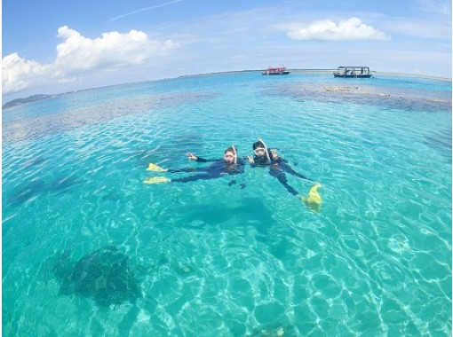 """[Ishigaki island Diving / Afternoon] Let's swim with sea turtles! """"PM half-day experience Diving boat tour with sea turtle Snorkelingの紹介画像"""
