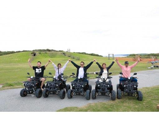 【沖縄・宮古島】バギーで爽快ドライブ!与那覇前浜ビーチすぐのオフロードや来間大橋を渡る近隣探索など90分コースの紹介画像