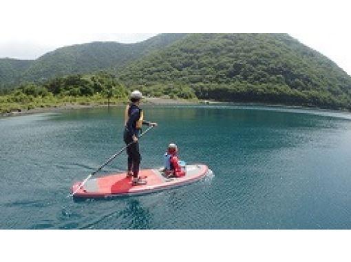 [山梨県 富士五湖 本栖湖] SUP(サップ)体験 初心者からOK !レクチャー付きツアー お子様やワンちゃんと一緒にパドリング♪の紹介画像