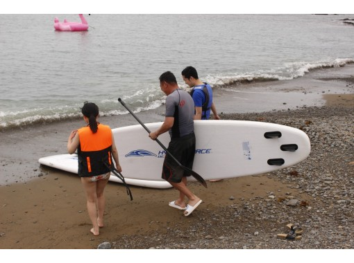 [Feel free SUP experience 60 minutes + glamping BBQ premium] Play! eat! A very satisfying plan that includes marine sports and empty-handed BBQ ♪の紹介画像