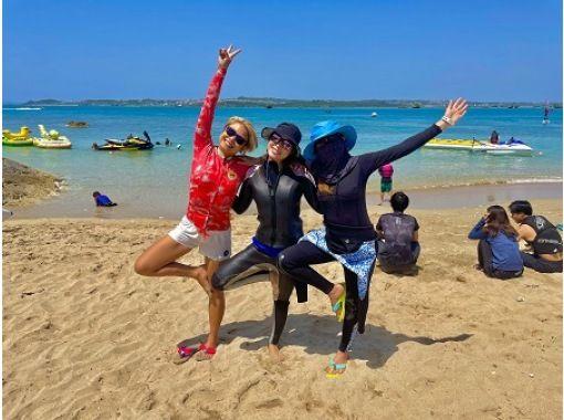 【沖縄・宜野湾、浜比嘉】沖縄のビーチでヨガ体験!(お子様用スペース付)写真無料でプレゼント!!