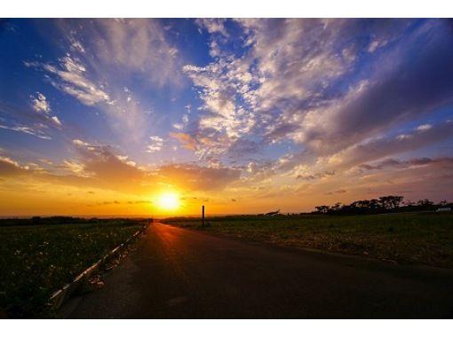 [오키나와 구메 지마] 최근 도시 생활에 지쳐 자연 아물지 싶은 사람 꼭! 구메 지마 이주 사진 작가와 함께 Zoom에서! 일출을 볼 온라인 투어の紹介画像