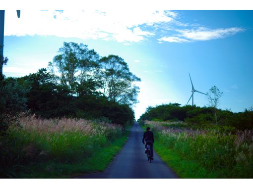 [Fukushima Prefecture, Inawashiro] [Limited to one group per day] Special scenery only for you! Cycling plan to go on Nunobiki Highlands Sunflower Road (with souvenirs)の紹介画像