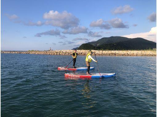 【福井県 高浜町 和田浜】2名1組限定プラン きれいな水と砂浜の和田浜でのんびりSUPで水上散歩体験90分の紹介画像
