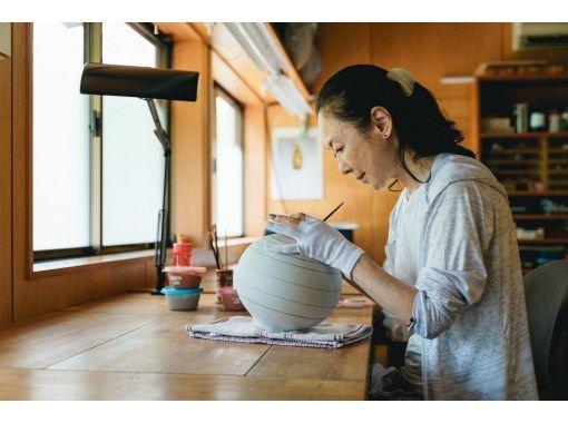 【石川・小松市】4代八十吉氏のパッションを感じる創作を、間近で体感する工房ツアー!の紹介画像