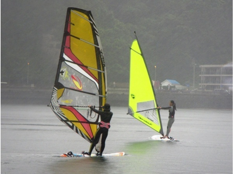 [Kanagawa Zushi Zushi] Why do not you half a day challenge the windsurfing in close school to 1 Bankai at the beach! ? Introduction to image