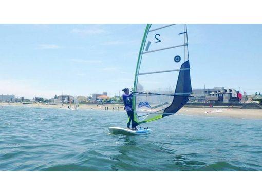 【三浦・津久井浜】まずは体験!ウィンドサーフィン体験コース!の紹介画像