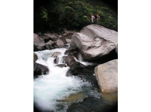 【鹿児島・屋久島】キャニオニング(小揚子川ツアー)1日コース