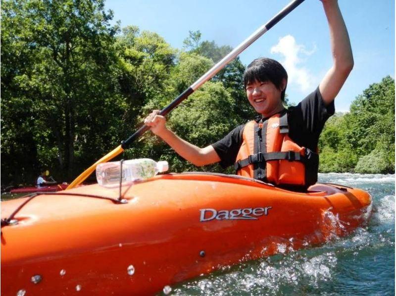 【福島・裏磐梯】3歳から参加OK!しぶきを浴びて楽しもう!小野川湖スプラッシュレイクカヌーの紹介画像