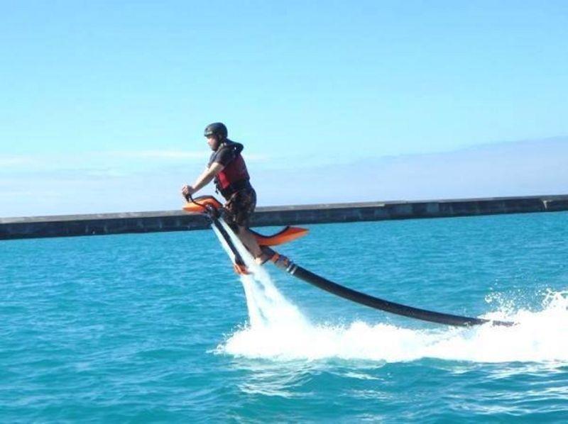 【沖縄・宮古島】空を飛ぶバイク!ジェットベイター体験(30分コース)の紹介画像
