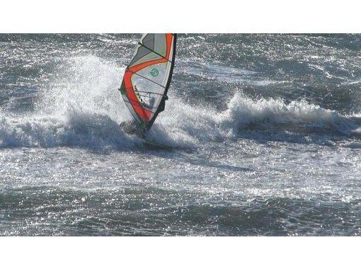 【神奈川・由比ヶ浜・初心者向け!】ウインドサーフィン 1日体験スクール