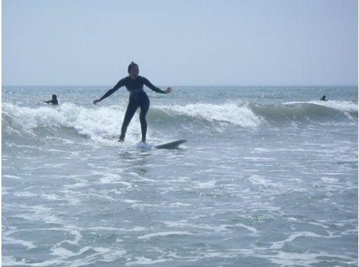 【山梨・初心者向け】海の爽快感を体感しよう!サーフィン体験スクール