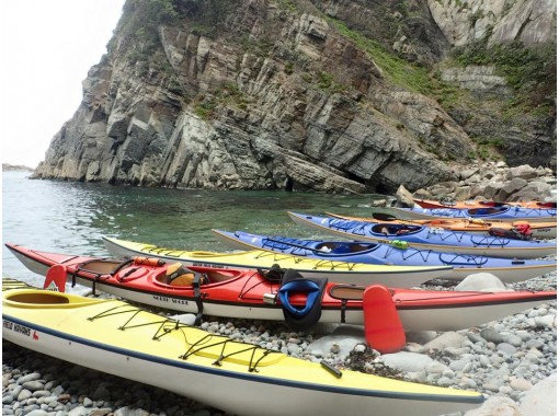 [Yamaguchi Nagato · 1 day] Recommended for beginners! Greedy tour to freely view the world of the sea! [Sea kayak]の紹介画像