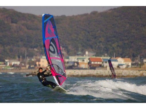 【千葉・検見川の浜】海を自由に走ってみたい!ウィンドサーフィン体験スクール(1日コース)