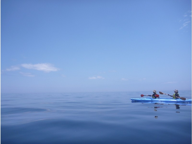 [Hokkaido, Niseko (and out rowing in the Shakotan blue sea Let's go to caving!) For the first time of sea kayak tour of the introduction image