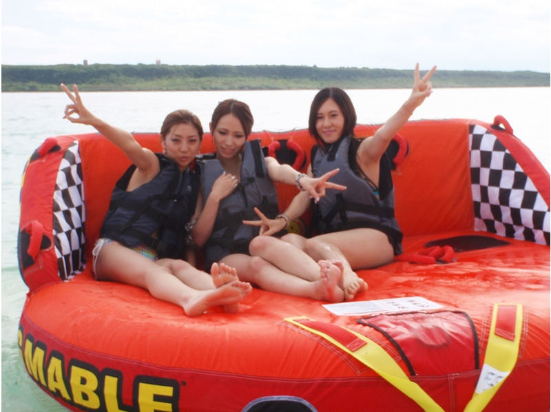 [Okinawa Prefecture Miyakojima] one day play unlimited plan A! Towing tube various and introduce the image of the wake board (with lunch)