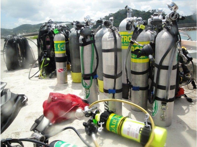 【沖縄】Tec-40コース 水深40mまで潜れる減圧ダイブトレーニングコース [3日間/4ダイブ]の紹介画像